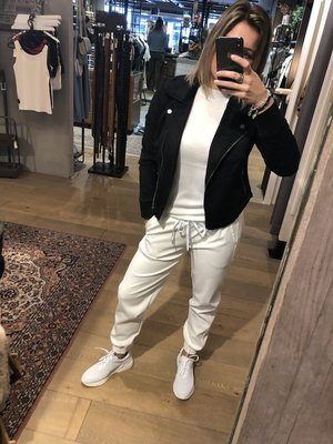 BROEK OFF WHITE LEATHER